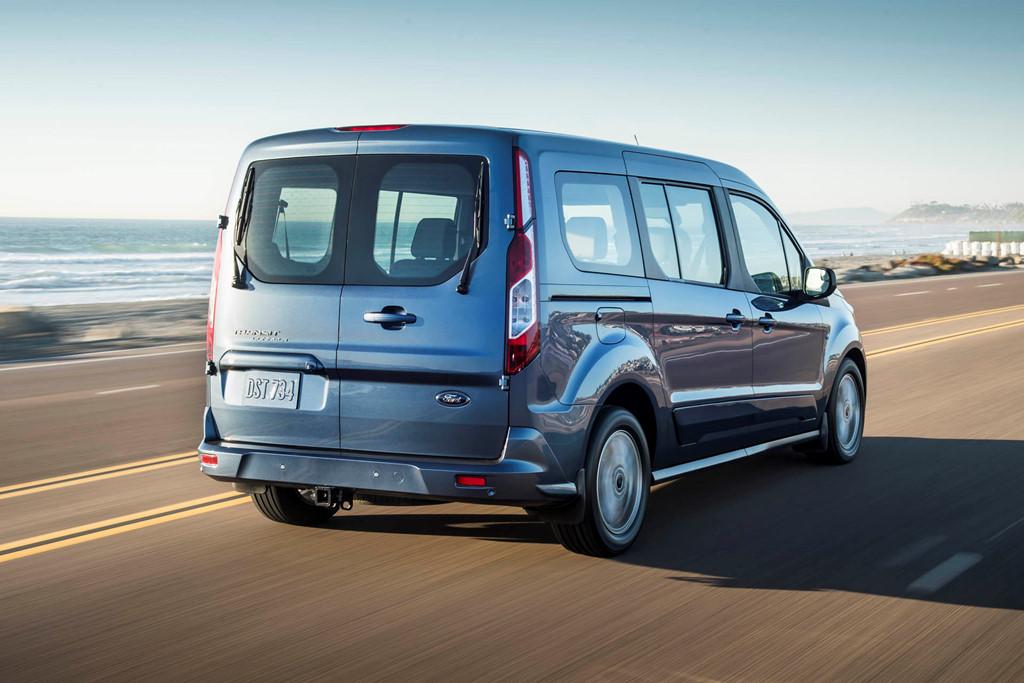 Ford Transit Connect – mang trong mình tương lai